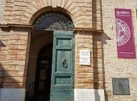 Biblioteca di Diritto pubblico